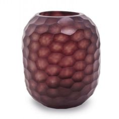 Bambola (M) - Amethyst - Guaxs : The Bambola amethyst vase is a perfect example of the beauty of hand craftsmanship. At GUAXS we try to develop sculptural objects, that change the Deco, Amethyst, Objects, Sculpture, Texture, Summer 2014, Vases, Magazine, Luxury