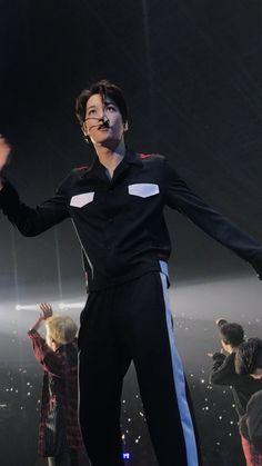 Exo Kai, Park Chanyeol, Wu Yi Fan, Kyungsoo, Beautiful Men, Clothes, Singapore, Angels, Honey
