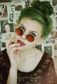 thats a real great color for green hair like a faded army green.