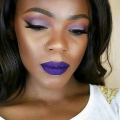 It can be hard to find a flattering lipstick shade. Here is a guide to choosing the right lipstick and 15 gorgeous shades that look amazing on dark skin tones. Dark Red Lipstick Matte, Mauve Lipstick, Best Lipstick Color, Lipstick For Dark Skin, Orange Lipstick, Dark Skin Makeup, Best Lipsticks, Lipstick Colors, Make Up