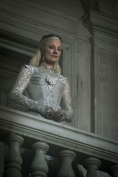 Glinda - Joely Richardson in Emerald City (TV series). Story Inspiration, Writing Inspiration, Character Inspiration, Triquetra, Joely Richardson, Emerald City, Glamour, Costume Design, Female Characters