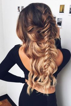 Dirty Blonde is truly a beautiful shade and is one of our most popular colors, as it blends with many different shades of blonde. Instantly transform your hair with Dirty Blonde clip-in Luxy Hair exte