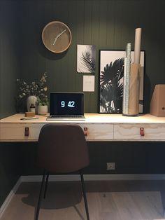 Office - diy - wood - green - nordic design Nordic Home, Nordic Design, Diy Wood, Corner Desk, Classroom, Green, Furniture, Home Decor, Corner Table