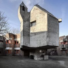 Chapel of Bohm's St Hildegardis in Düsseldorf-Garath - .it) submitted by CudaWianki to /r/brutalism 0 comments original - Architecture and Home Decor - Buildings - Bedrooms - Bathrooms - Kitchen And Living Room Interior Design Decorating Ideas - Brutalist Buildings, Concrete Structure, Kirchen, Decor Interior Design, Room Interior, Building Design, Modern Architecture, House Design, Instagram Posts