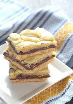 These simple bars that are made from Cake MIx are stuffed with loads of Nutella! SO SO good!