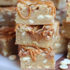 White Chocolate Blondies, White Chocolate Raspberry, Rolo Cheesecake, Cheesecake Recipes, Speculoos Cookie Butter, Biscoff, Rolo Cookies, Janes Patisserie, Dude Food