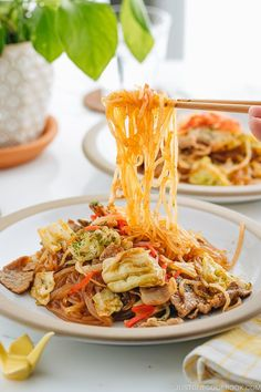 Yakisoba is delicious street-style Japanese noodles and this one is made with gluten-free glass noodles! #yakisoba #glassnoodle | Easy Japanese Recipes at JustOneCookbook.com