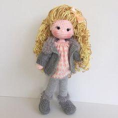 Instagram СМИ nathaliesweetstitches - Готов к Сиэтле! До свидания, до свидания вьющиеся волосы красоты #nursery #baby #doll #dolls #amigurumi # # мило сапоги # curlyhair # ручная работа #kidsroom