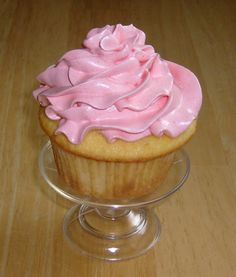 ♥Jello Frosting ~ A very light, silky icing that has the faint flavor of the jello. It's fun to match the color to the holiday! ♥