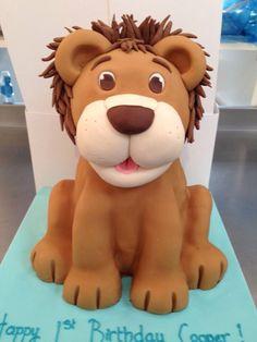 Lion cake Bolo Sporting, Cake Cookies, Cupcake Cakes, Bebe Shower, Lion Cakes, Circus Cakes, Lion King Birthday, Animal Cakes, Disney Cakes