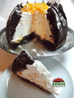 TORT KILIMANJARO UN TORT LIGHT USOR DE FACUT ASPECTUOS RACORITOR Jacque Pepin, Romanian Food, Cheesecakes, Gelato, Cake Recipes, Sweet Treats, Food And Drink, Cooking Recipes, Ice Cream