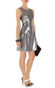 Karen Millen 60S Metallic Shift Dress Silver Dn222 Sale Karen Millen UK Outlet dresses will be your fantastic option.Karen Millen 2013 style has always been the trend now. Many women can be nice and stylish with Karen Millen Dresses Outlet, when they fell in love with a certain style. 60s inspired metallic shift dress with contour seam lines and panels.