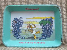 This would be a cute tray for hors d'ouvres or the like.