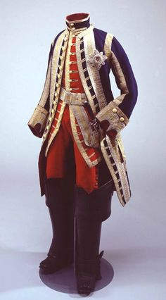 Look at this hunting suit, presented by Louis XV to Christian VII of Denmark, and displayed at the Versailles exhibition on Court Pomp and Royal Ceremony last spring. The Kings of the Bourbon dynasty were all passionate horsemen and hunters, which shows in the choice of this diplomatic gift to another sovereign.