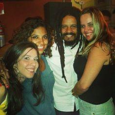 Rohan Marley (filho do Bob Marley) apareceu para conhecer a famosa feijoada do Traço de União. #BestsambaSP. 12 de maio de 2013. Via @AlinePrador.