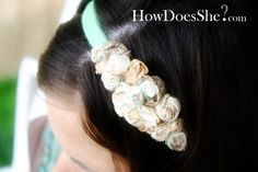 DIY headband made from fabric scraps and a zipper. Love it!