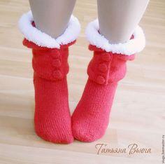 Счастливое Рождество. Носки вязаные, шерстяные, подарок ручной работы - ярко-красный