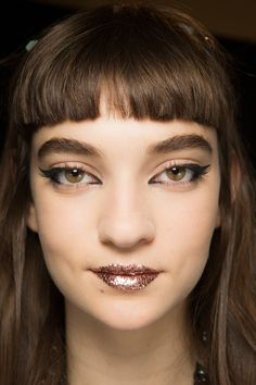See beauty photos for Fendi Spring 2017 Ready-to-Wear collection.