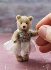 Amy By Marina Blakytna - Bear Pile Needle Felted Animals, Felt Animals, Needle Felting, Baby Animals, Tiny Teddies, Felt Mouse, Love Bear, Cute Teddy Bears, Bear Doll