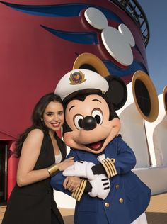 "Actress Sofia Carson, star of Disney's ""Descendants,"" had the chance to meet Captain Mickey when she was on the Disney Fantasy. Starting this week, Disney cruisers can watch Descendants on Funnel Vision (the jumbo screen by the family pool) Disney Channel Descendants, Disney Channel Stars, Disney Stars, Descendants Cast, Austin And Ally, Sophia Carson, Mal And Evie, Disney Parque, Adventures In Babysitting"