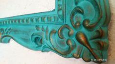 Bútorfestés: szárazecset technika   BOHOdesign - mindig ilyen színeket akartál! Boho Designs, Minion, Techno, Latex, Decoupage, Lion Sculpture, Woodworking, Statue, Diy