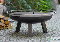 Fire bowl 60 cm to 100 cm with 3 high legs and steel lid The fire bowl can be placed in any part of a garden or terrace to safely ignite a bonfire. The portable fire bowl can be used in several ways, it can serve as a portable grill or heat source and represents stylish lighting. The practical