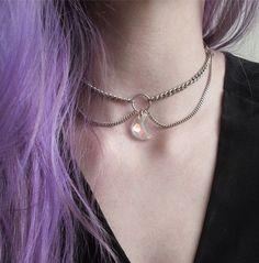 Siéntete como Luna de Sailor Moon con esta gargantilla. | 18 Divinas gargantillas que querrás comprar ahora mismo