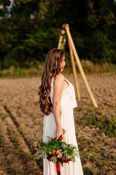 Look at these beautiful Bride's hair. Wedding hair and makeup. Wedding Hair And Makeup, Hair Makeup, Diy Tipi, Tipi Wedding, Flowers Decoration, Elopement Ideas, Boho Bride, Bride Hairstyles, Beautiful Bride
