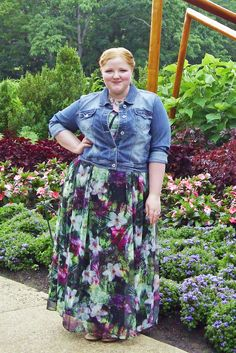 With Wonder and Whimsy: An Evening Out at Cheekwood Botanical Gardens. plus size, style, fashion, outfit, ootd, nashville, lane bryant, maurice's, maxi dress, tropical print