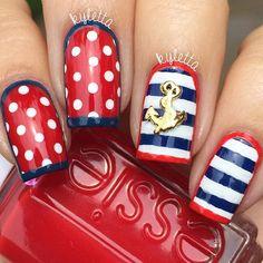 Patriotic nails. (by @kyletta on IG)