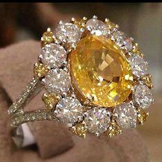 #jewelry #diamonds #gemstones #ring #spectacular #design #quality #masterpiece #sparkle #color #luxury #elegance #glamour
