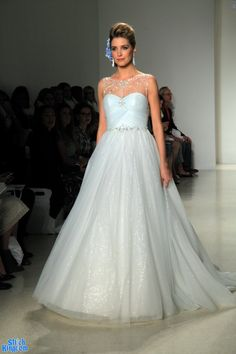 Wedding dress Frozen Wedding Dress, Prom Dresses, Formal Dresses, Wedding Dresses, Beautiful Wedding Gowns, Ball Gowns, Most Beautiful, Bride, Claire