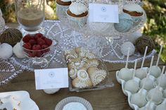 Le Frufrù: Country dessert table