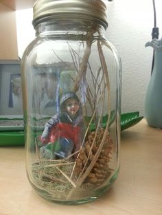 Mason Jar 3D picture frame. Collect items into a mason jar and then cut out a photo. Lots of creative photo options :)