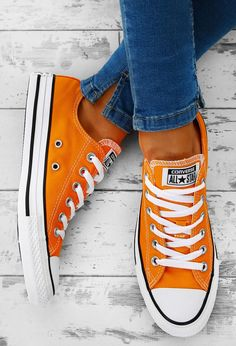 Converse Chuck Taylor All Star Orange Trainers Orange Converse, Converse All Star, Moda Converse, Converse Tennis Shoes, Converse Style, Orange Shoes, Outfits With Converse, Converse Chuck Taylor All Star, Chuck Taylor Sneakers