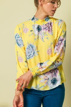Bluse Juliet Summer Yellow fra Floyd by Smith Floral Tops, Yellow, Blouse, Long Sleeve, Sleeves, Summer, Women, Fashion, Model