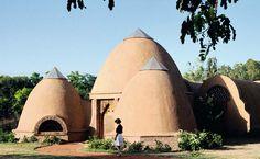 Sheila Ponties Designer: Casas feitas de terra: conheça a bioconstrução