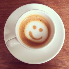 Your typical coffee art picture  #coffee #macchiato #doublemacchiato #espressomachiato #coffeeart #coffeeartist #Oxford #cowleyroad #mostro #mostracafe #instafood #foodstagram #foodporn #smile #smiley #smileys #smiling by tilltilltilltill