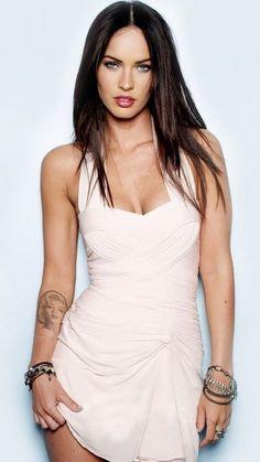 Megan Fox Megan Fox Sexy, Megan Denise Fox, Megan Fox Tattoo, Megan Fox Outfits, Megan Fox Images, Megan Fox Bikini, Megan Fox Wallpaper, Most Romantic Hollywood Movies, Football Outfits