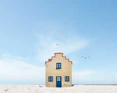 Portraits of Lonely Houses in Portugal