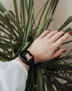 Apple Watch Series 6 - The Best Smartwatch for women