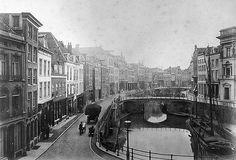 Oudegracht met de Bezembrug en daarachter de Bakkerbrug 1878