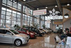 Nasze śnieżynki styropianowe w salonie samochodowym