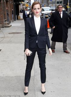 Looking good: Emma Watson arrives at then Ed Sullivan Theatre in new York City for an appearance on The Late Show With David Letterman Power Dressing, Emma Watson, Cute Fashion, Fashion Outfits, Womens Fashion, Blazer With Jeans, Jeans Style, Who What Wear, Tuxedo