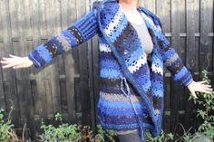 Vest met capuchon blauw | La Volpe Moda - cardigan blue crochet