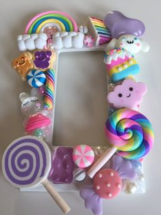 Polymer Clay Crafts, Diy Clay, Crafts For Kids To Make, Diy And Crafts, Kawaii Crafts, Kawaii Diy, Candy Christmas Decorations, Diy Presents, Plates On Wall
