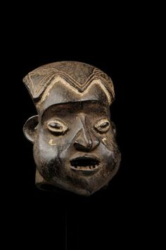 Royal Museum for Central Africa | Mask, wood; Place of collecting Cameroon, Culture Bamum, 39,8x26 cm