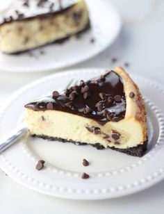 The Gold Lining Girl | Chocolate Chip Cookie Dough Cheesecake | http://thegoldlininggirl.com