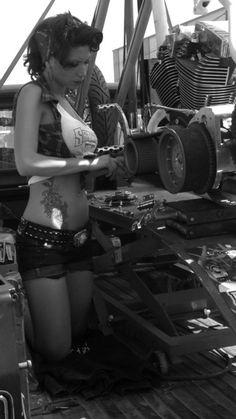 wish my mechanic looked like this