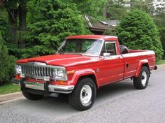 Helen Hunt's Jeep pickup like in Twister. What a chase vehicle! Jeep Pickup, Jeep Suv, Old Pickup Trucks, Jeep Truck, Jdm, Muscle Cars, Planes, Red Jeep, Jeep Wagoneer